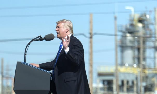Трамп обвинил демократов в нежелании строить трубопроводы внутри страны