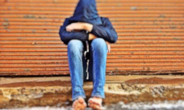 Подросток сообщил, что отец и мачеха регулярно его избивали более трех лет