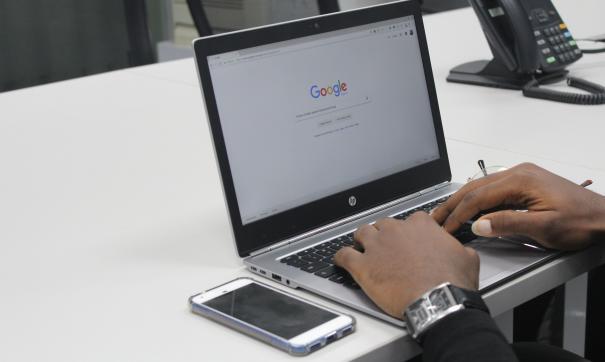 Наблюдались сбои в работе магазина приложений Google Play и других сервисов.