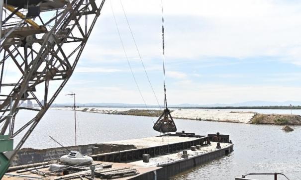 В Хабаровске демонтаж насыпной дамбы привел к затоплению района