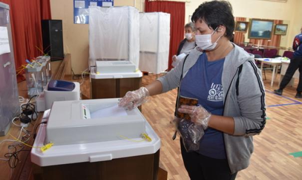 Еще несколько регионов Дальнего Востока завершили Единый день голосования.
