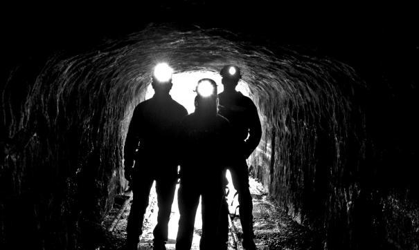 В Белове горноспасатели подняли на поверхность тело погибшего шахтера