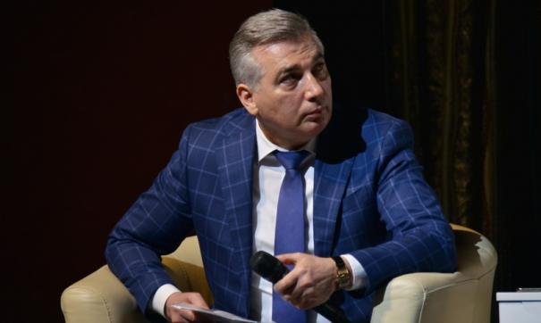 Эдуард Омаров отметил оперативную реакцию областной власти и депутатов на изменения, которые повлекла пандемия