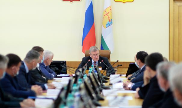 Игорь Васильев провел совещание, посвященное борьбе с контрафактом молочной продукции