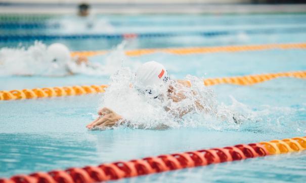 В Санкт-Петербурге восемь детей отравились хлоркой в бассейне
