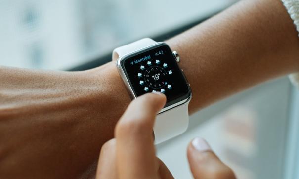 Apple презентовала Apple Watch SE с функцией измерения кислорода в крови