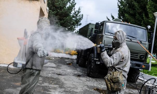 В Екатеринбурге отряд ЦВО поделился с призывниками опытом дезинфекции