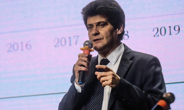 Мэр Екатеринбурга готовится поставить прививку от коронавируса