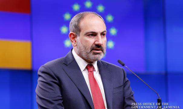 Армения и Азербайджан накануне фактически вступили в полномасштабную войну.