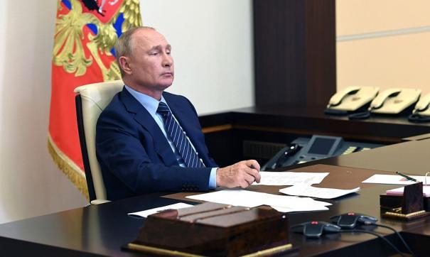 Владимир Путин внес в Госдуму большой пакет законопроектов по Конституции