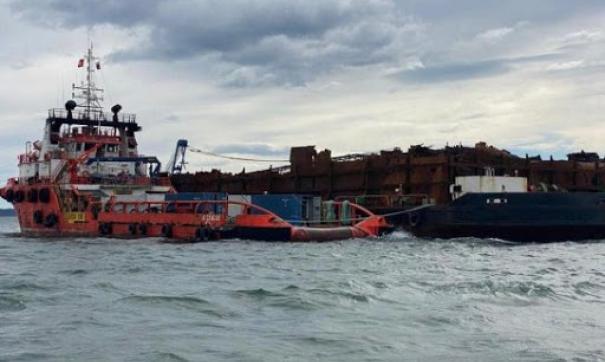 Южная Корея забрала из Чукотки севшее на мель судно