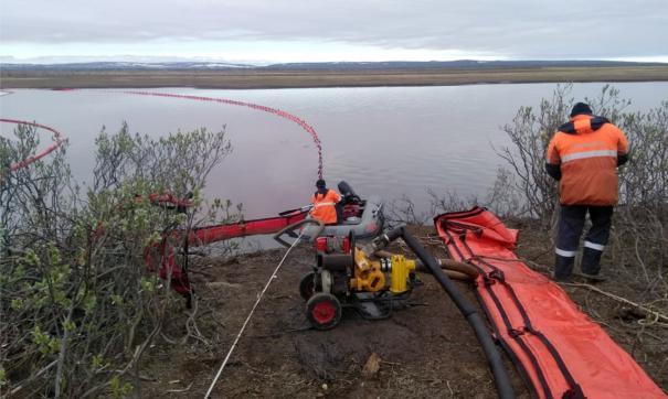 В Томской области при ликвидации разлива нефти собрали 245 кубометров нефтесодержащей жидкости