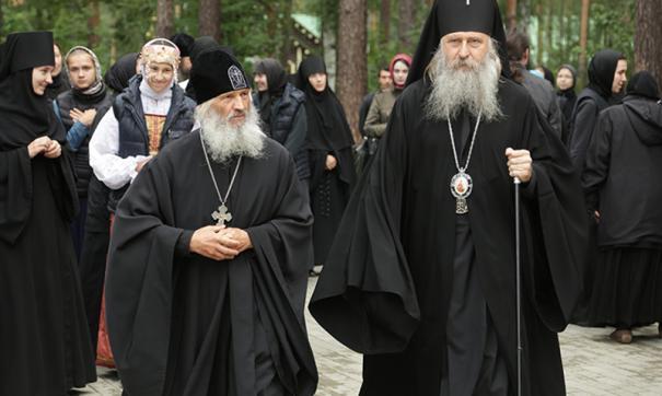 Отлученный от церкви схиигумен Сергий открыл свой храм