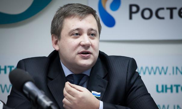 Чьи амбиции круче? Перелетный депутат-эсер Андрей Жуковский