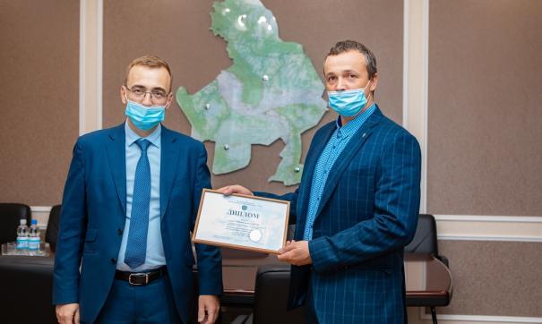 Начальник нефтепромысла № 1 НК «Конданефть» Евгений Ярцев заступил на предновогоднюю вахту