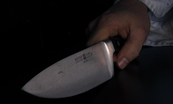 Мужчина с ножом напал на воспитательницу детского сада