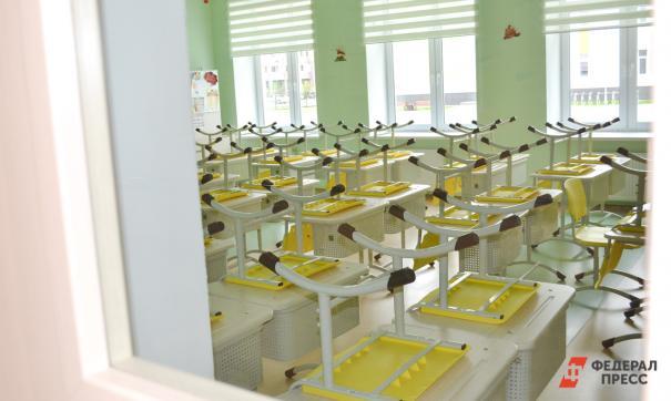 В Приморье открыли поселковую школу с двумя спортзалами и лифтом