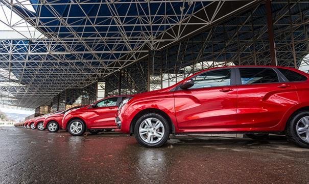В дилерских центрах наблюдается ажиотажный спрос на новые модели автомобилей