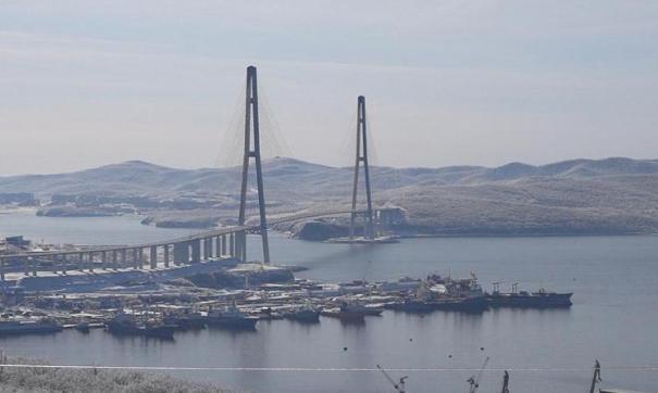 В Приморье мост на остров Русский очистят ото льда к концу недели