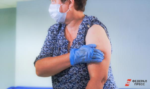 Названы сроки вакцинации от коронавируса для россиян старше 60 лет