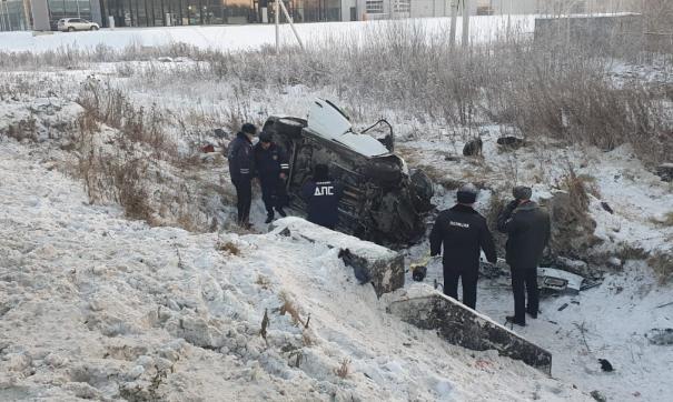 В Екатеринбурге женщина и ребенок погибли в автокатастрофе