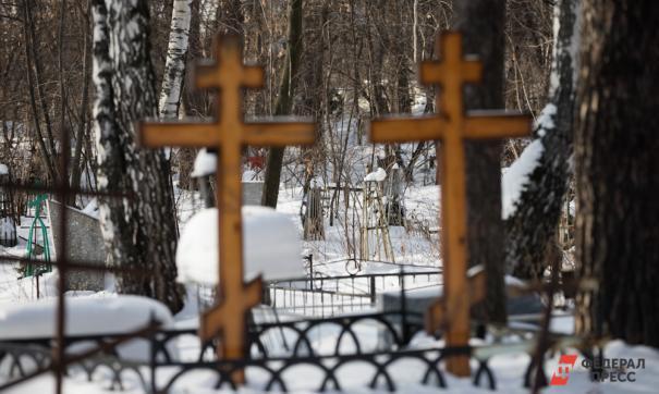 Митрофановское кладбище является действующим и принимает новые захоронения