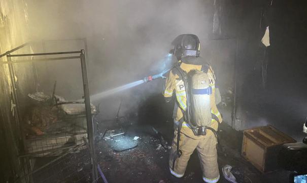 В Екатеринбурге пожар охватил 10-этажный дом