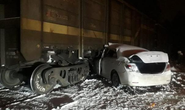 Водитель и 18-летний пассажир доставлены в больницу
