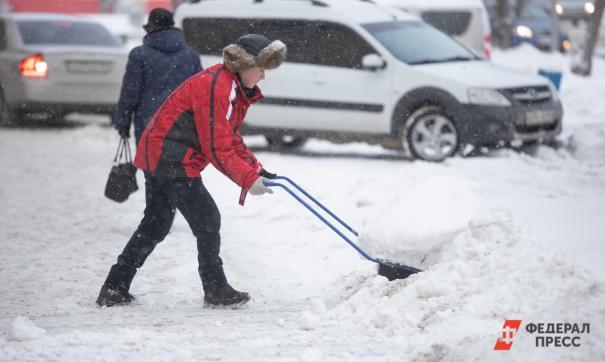 В Зуевке расчисткой снега займутся 14 февраля
