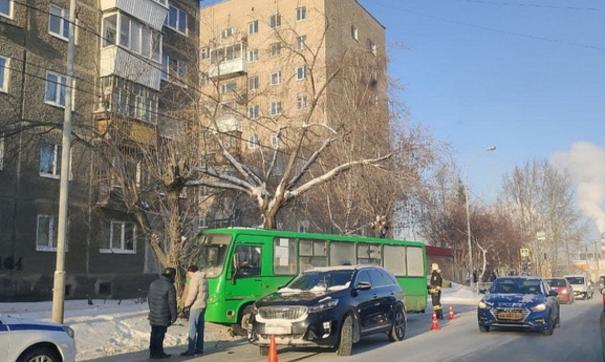 В аварии пострадала одна из пассажиров автобуса