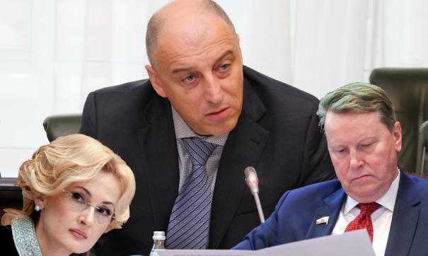 В январе особо заметными оказались Сергей Сопчук и Ирина Яровая. Поводы, причем, были негативными