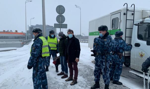 Полицейские и Вячеслав Бану