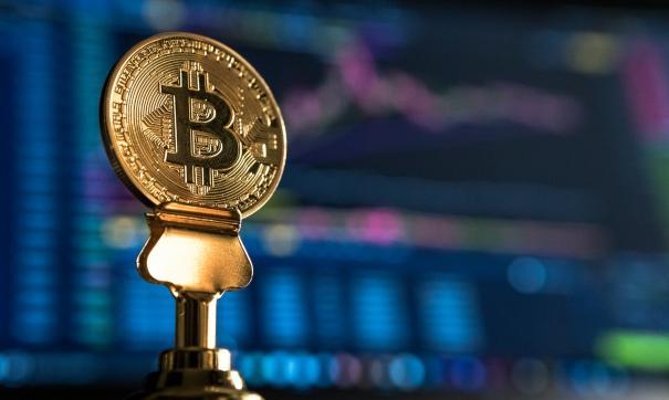 Стоимость биткоина превысила 57 тысяч долларов