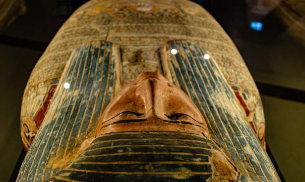 Ученые обнаружили древнеегипетскую мумию в глиняной оболочке