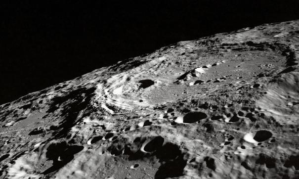 В NASA считают нереалистичной высадку американцев на Луну в 2024 году
