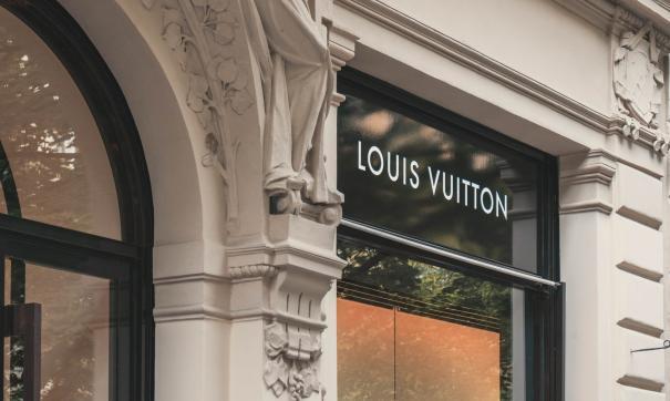 Louis Vuitton перепутал флаги стран