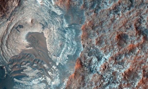 На Марсе обнаружены значительные ресурсы водяного льда