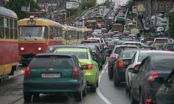 На начало 2021 года в Свердловской области зарегистрированы 1,37 млн автомобилей
