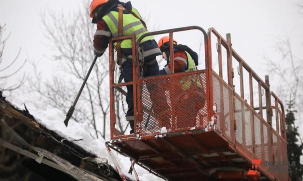 Произошло обрушение стены двухэтажного дома на улице Галактионовской
