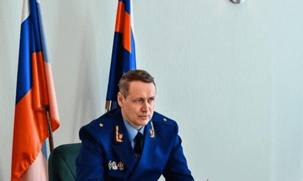 Сейчас Лопин вместе с семьей переехал в Екатеринбург