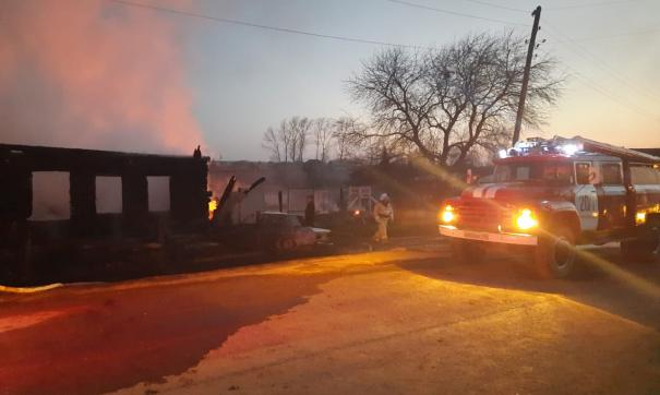 Пожар в селе случился около двух часов ночи