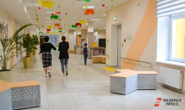 В Хабаровском крае эвакуировали 70 школ