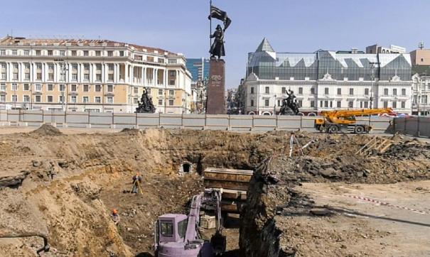 Во Владивостоке в тоннеле под центральной площадью нашли керамику и кости