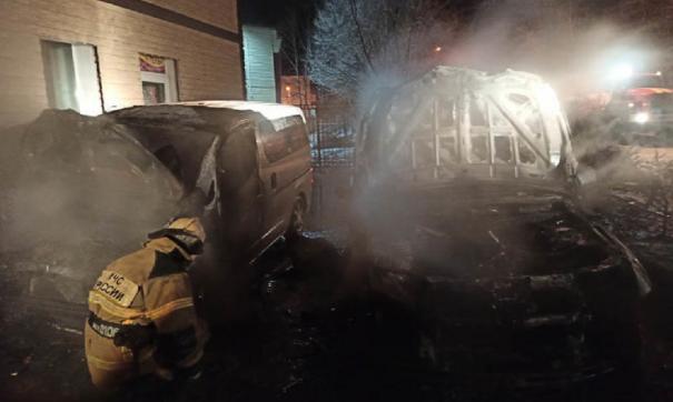В Приамурье сожгли машины депутатов ЛДПР, поругавшихся с мэром