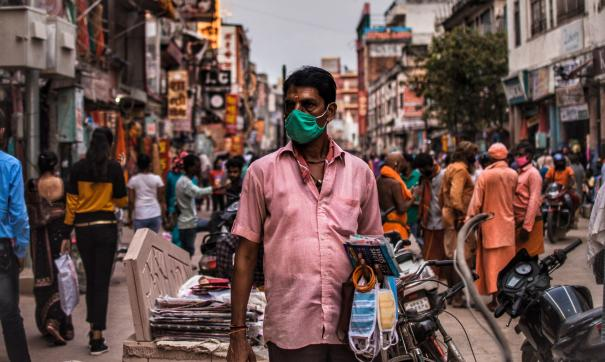 В Индии пандемия вышла из-под контроля