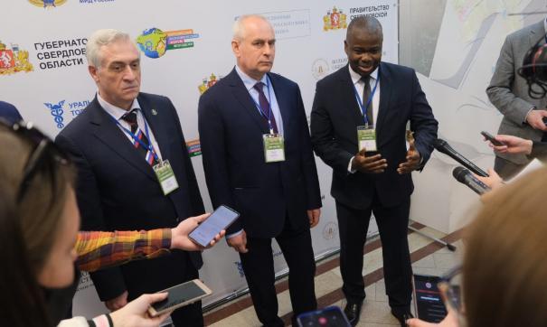 На ЕЭФМ приехали дипломаты, студенты и бизнесмены из 64 стран мира