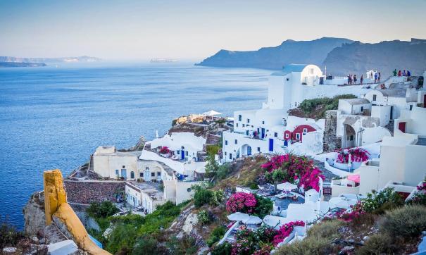 С 19 апреля вакцинированные россияне смогут посетить Грецию без карантина
