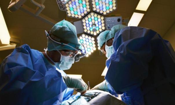 Новосибирские онкологи удалили редкую опухоль у пациентки