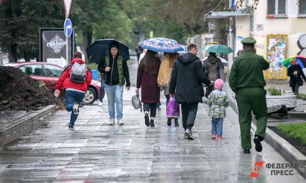 Москвичей предупредили о граде и сильном ветре