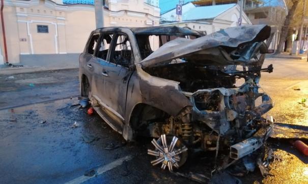 После аварии машина загорелась